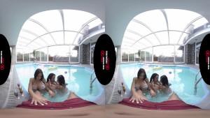 سكس واقع افتراضي مراهقات في حمام السباحة